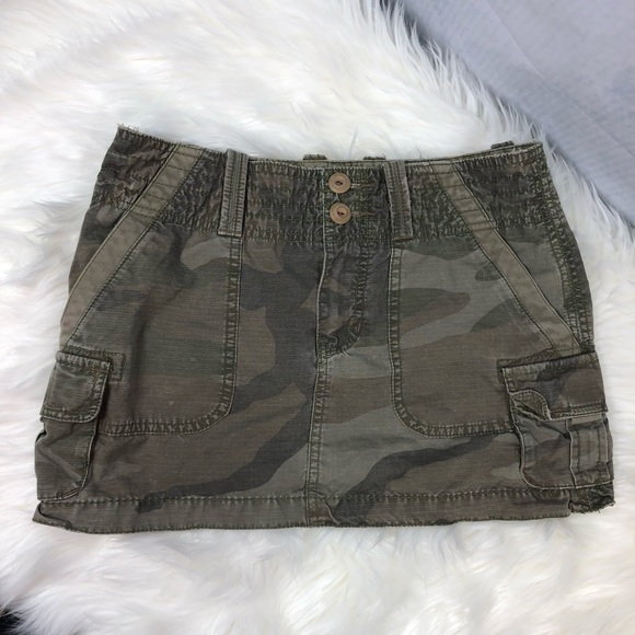 American Eagle Outfitters Dresses & Skirts - American Eagle cargo mini skirt sz 0 green camo